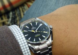 The stainless steel fake Omega Seamaster Aqua Terra 231.10.42.21.01.002 watches have black dials.