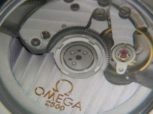 The superb copy Omega watches with caliber 2500 are worth for you.