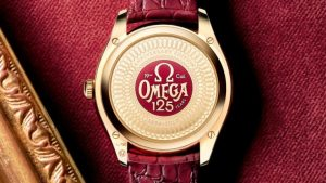 The luxury replica watches are made from gold.