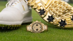 The 18k gold copy watches have champagne dials.