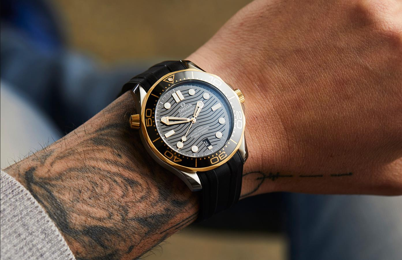 The black strap replica watch is designed for men.