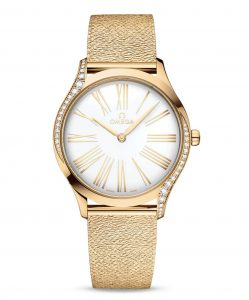 The Moonshine 18K gold fake watch has a white gold.